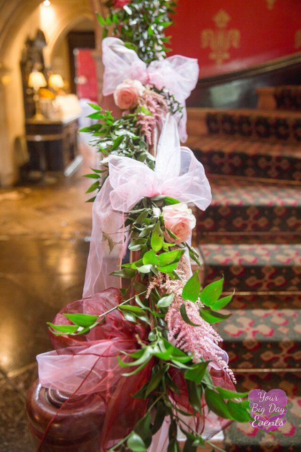wedding-venue-stair-flowers