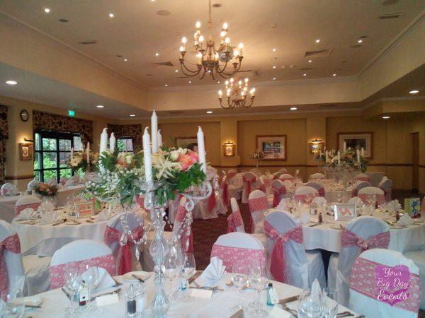 wedding-venue-table-dressing