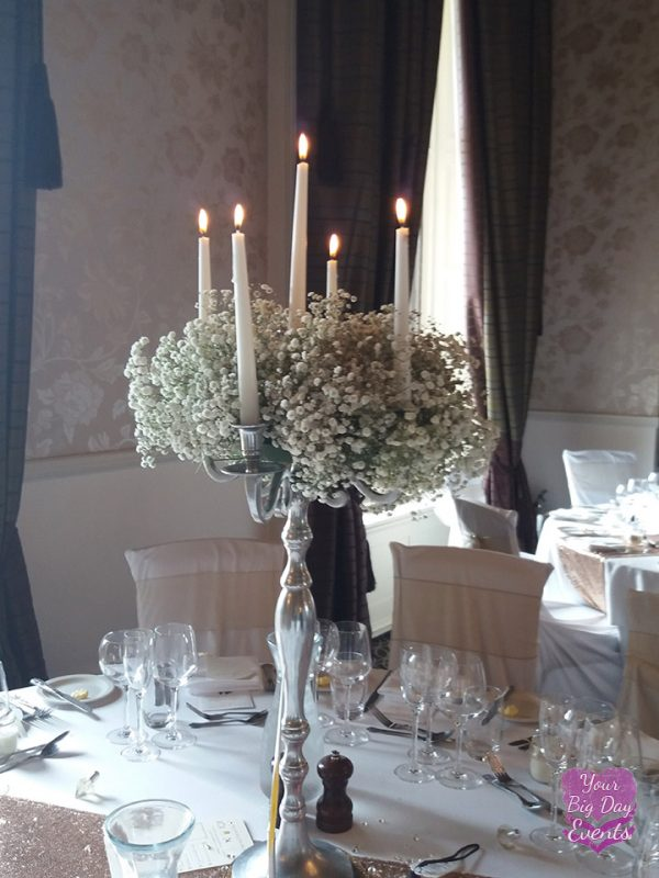 wedding-venue-table-flowers